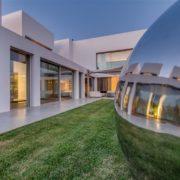 אדריכלות ועיצוב של בריכות יוקרה